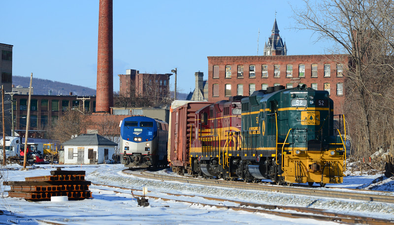 The southbound Vermonter is about to pass ED-4 on the running track in Holyoke.